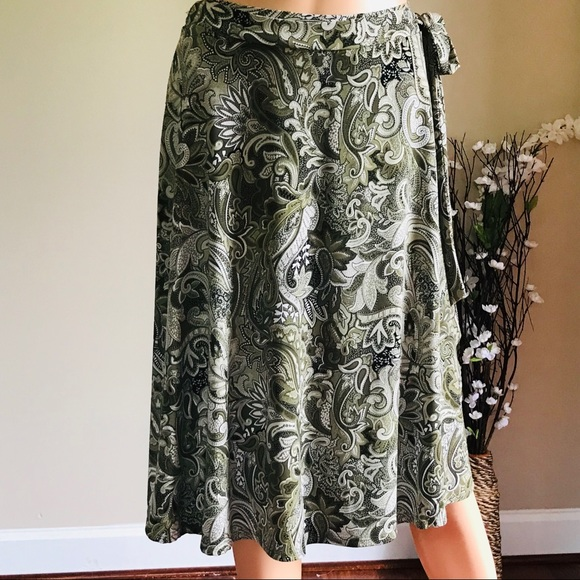 Tailor B. Moss Dresses & Skirts - Tailor B. Moss Light Olive Wrap Tie Midi Skirt